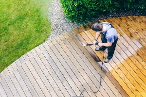 fort-meyers-pressure-washing-deck-and-patio-pressure-washing-1_orig.jpg