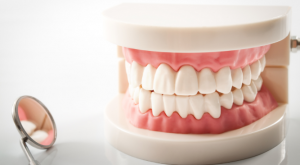 denture cleaning.png